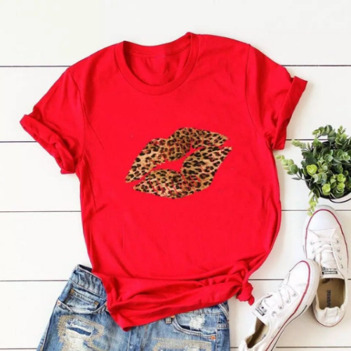 Red Leopard Lips Graphic Print T-Shirt - Spirit & Grace Style